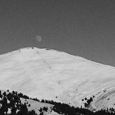 #moon #over #slopes #zillertal #zillertalarena #snowboard #snowboarding #snow #mountainlove #góry #7hillz #ski #skiing #winter #winterwonderland #wintersport