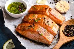 Delicious fried salmon fillet, seasoned with pepper, herbs, garlic and olive oil. Yummy 😍 What is your favorite salmon recipe? Comment down bellow 👇 repost . Oven Baked Salmon, Fried Salmon, Baked Salmon Recipes, Seafood Recipes, No Calorie Foods, Low Calorie Recipes, Keto Recipes, Ketogenic Recipes, Healthy Recipes