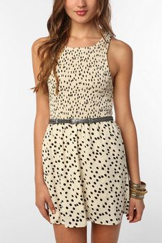 Perfect dress for the spring/summer. Can be worn with anything from a pair of cute flats or a nice cardigan.