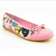 Harajuku Lovers Pink Erocawa flats Gwen Stefanni Harajuku Lovers pink flats with adorable print on canvas. Flats have been loved but still have much more to give! Normal wear and tear but nothing major. Let ne know if you would like additional photos. Harajuku Lovers Shoes Flats & Loafers