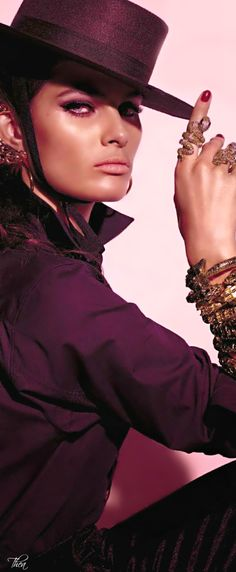 Vogue Italia August 2014 ● Isabeli Fontana V.   -->Elsie RC