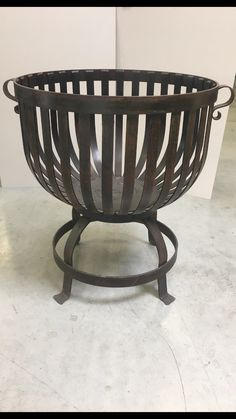 Steel Fire Pit, Fire Pits, Firewood Logs, Fire Basket, Wrought Iron Decor, Backyard Fireplace, End Grain Cutting Board, Log Fires, Fire Pit Designs