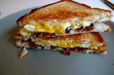 Quick Dinner Ideas - Grilled Bacon, Egg, and Cheese Recipe!! >> quick dinner ideas --> www.quickdinnerideas.net