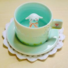 Cute Little Lamb in the middles of the Cup. My Coffee, Coffee Cups, Kitsch, Cute Cups, Kawaii Cute, Kawaii Shop, My Cup Of Tea, Designer Toys, Cute Food