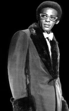 """Davis Eli """"David"""" Ruffin (January 18, 1941 – June 1, 1991) was an American soul singer and musician most famous for his work as one of the lead singers of The Temptations (1964–68) during the group's """"Classic Five"""" period as it was later known. He was the lead voice on such famous songs as """"My Girl"""" and """"Ain't Too Proud to Beg""""."""