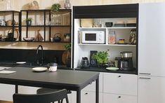 Cello-keittiöiden aamiaiskaappi tekee aamuista helpompia. Bathroom Medicine Cabinet, Kitchen Cabinets, Table, Furniture, Home Decor, Decoration Home, Room Decor, Cabinets, Tables