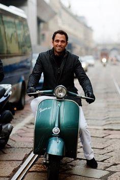 via Manzoni, Milano Sartorialist vespa scooter Scooters Vespa, Motos Vespa, Vespa Lambretta, Vespa Motorbike, Italian Men, Italian Style, Classic Italian, Triumph Motorcycles, Mopar