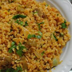 Unlike normal bulgur rice recipes, with added vegetables, this … - Fleisch Rice Recipes, Meat Recipes, Cooking Recipes, No Gluten Diet, Turkish Recipes, Ethnic Recipes, Rice Dishes, I Foods, Food And Drink