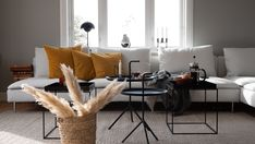 #interior #scandianavianstyle #scandinavianinterior #scandinaviandesign #scandinavian #interiør #interiorblog #interiørblogg #home #nordiskehjem #skandinaviskehjem #skandinaviskinteriør #jotun #demring #dekorasjon #hjem123 #dagensinteriør #interiordesign #villa #copenhagen #haugesund #decor #decoration #livingroom #flowerpot #hay #haydesign #ikea #søderhamn #traytable