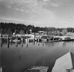 Dee & Blanche Riegel: Float homes at Bayview in 1940.