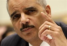 Attorney General Holder says he'll protect journalists' rights