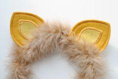 Adorable DIY Animal Ear Headbands For A Kid's Imaginative Play Kidsomania Lion Birthday, Circus Birthday, Circus Theme, Diy Headband, Ear Headbands, Disney Headbands, Panda Maske, Lion King Costume, Lion Costumes