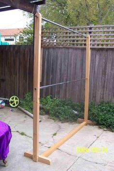 Going to use this to help extend my closet but I'll make mine out PVC pipes or make one for a yard sale clothes rack. Image Only.