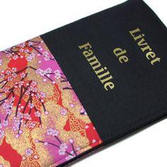 Livret de famille : étui en tissu japonais rouge et noir