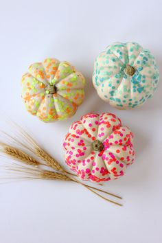 Throw a little confetti onto your mini pumpkins in this simple tutorial.