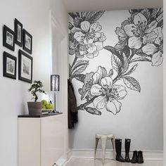 #обои Обои в прихожую: фото в интерьере и 80 избранных оригинальных решений для входной зоны http://happymodern.ru/oboi-v-prixozhuyu-foto-v-interere/ Объемный рисунок в черно-белых тонах на всю стену