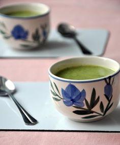 Brokkolikrémleves recept - csakapuffin.hu Okra, Tableware, Dinnerware, Gumbo, Tablewares, Dishes, Place Settings