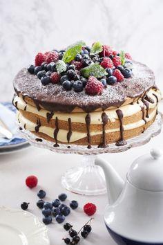Szybki #tort z owocami lata! Do przygotowania na specjalną okazję lub ot tak... prosto z serca! #cake #bdaycake #delektujemy #tort #owocelata #summerfruits #bdaycake