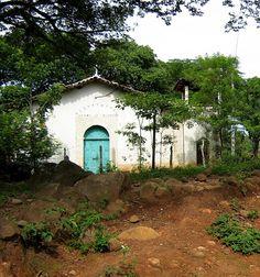 Iglesia en cantón Caulote en Suchitoto
