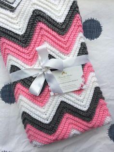 ideas for baby crochet gifts chevron blanket Crochet Gifts, Crochet Baby, Blanket Crochet, Fun Baby Announcement, Chevron Blanket, Baby Nursery Furniture, Blonde Guys, Baby Cards, Baby Girl Newborn