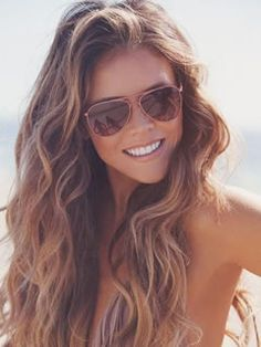 Long Haircuts for Oval Shaped Faces: Beach Waves