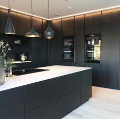 The kitchen that is top-notch white kitchen , modern kitchen , kitchen design ideas! Kitchen Room Design, Luxury Kitchen Design, Kitchen Layout, Home Decor Kitchen, Interior Design Kitchen, Kitchen Ideas, Kitchen Designs, Eclectic Kitchen, Black Kitchens