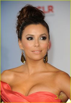 Eva Longoria Alma Awards 2011. Salmon / coral colored dress. Pretty makeup