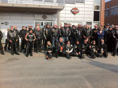Group picture with other Harley Davidson members. After this, we drove to Stromstad in Sweden. It is a yearly tradition in the spring. On this day there were almost 150 bikers and we drove in a convoy.