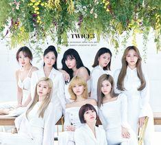 Nayeon, Kpop Girl Groups, Korean Girl Groups, Kpop Girls, K Pop, Shy Shy Shy, Twice Group, Twice Album, Warner Music