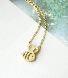 Womens Gold and Silver Bumble Bee Pendant Necklace. Layered Choker Necklace, Layered Chokers, Bee Necklace, Dainty Necklace, Gold Necklace, Pendant Necklace, Cute Bee, Girls Necklaces, Minimalist Jewelry