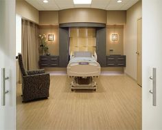 Las Colinas Medical Center, a relatively small, 100-bed facility in Irving, TX