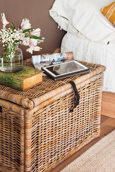 How To Declutter in One Day Rattan, Upcycled Home Decor, Entertainment Room, Home Bedroom, Bedrooms, Bedroom Ideas, Boho, Vintage Bohemian, Storage Baskets