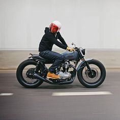 Deus EX Machina #motorcycles #caferacer #motos | Vintgarage