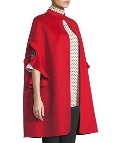 dress and coat Abaya Fashion, Modest Fashion, Fashion Dresses, Fashion Coat, Top Mode, Iranian Women Fashion, Valentino, Cashmere Coat, Mode Hijab