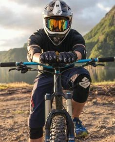 MTB Dating is the dating site for singles with a passion for mountain biking. Shred the mountain bike trails together; Downhill Bike, Bike Mtb, Road Bike, Bmx Bicycle, Hardtail Mountain Bike, Mountain Bike Trails, Mtb Trails, Freeride Mtb, Montain Bike