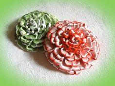 """Цветы канзаши из атласных лент 2,5 см, мастер класс, лепесток """"слойка"""" - YouTube"""