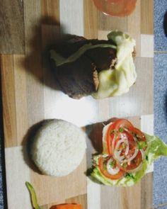 Making off de nuestro exquisito rollo de #lomito con #mozzarella y #chorizo tipo Vela. Boca hecha agua en 3, 2, 1... #Intimos #UnicoEnSuEstilo #cocina #comida #carne #gastronomia #gourmet #cuisine #exquisito #sabor #food #foodie #instafood #foodlover #foodporn #Venezuela #Brasil #GranSabana  Yummery - best recipes. Follow Us! #foodporn