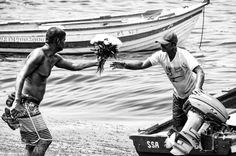 Saudar (emos) #igbahia #igsalvador #salvadormeuamor  #nikonphotography #picsofbrasil #nikonbrasil  #escolabaianadefotografia #soteropolitano #gosteifotografei #fotosbahia #mostreseuclick #igerssalvador #photos_ssa #ig_bahia #rodadefotografos #artphoto #arteemfoco #fineartphotography #fineartphoto #azulmagazine #soteropobretano #espaçodoleitorcorreio #historiassandisk #ssalovers #porumclick #baianidadenago #voeGOL #correiodefuturo #cantosdabahia