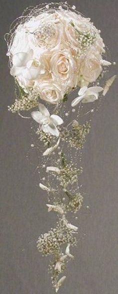 BRUDEBUKETT HVIT Chapel Wedding, Floral Design, Crown, Bridal Bouquets, Image, Jewelry, Wedding Ideas, Dreams, Weddings