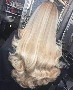 Honey Blonde Hair, Blonde Hair Looks, Blonde Wig, Long Blond Hair, Bright Blonde Hair, Blonde Hair Extensions, Beautiful Long Hair, Gorgeous Hair, Pretty Hair