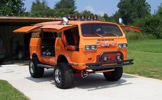 You Won't Believe What These Guys Have Done To Their Vans 10 Pimped Up Vans & Crazy Campers   Cools And Fools