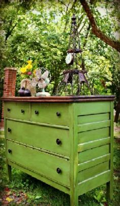 TAAFOMFT- Love this green chest of drawers and shabby-chic