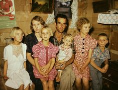 Rare color photos: Kids in the Sept. 1940 Jack Whinery and his family, homesteaders, Pie Town, New Mexico. Harlem Renaissance, Dust Bowl, Art Deco, Feed Sacks, Mode Vintage, Vintage Diy, Vintage Cards, Vintage Photography, Heart Photography
