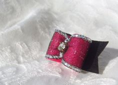 Hey, I found this really awesome Etsy listing at https://www.etsy.com/listing/40948197/58-pure-elegance-dog-bow-in-sparkling