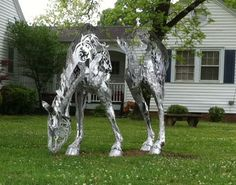 Great horse sculpture in Cary, NC