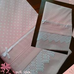 Crochet Borders, Filet Crochet, Bed Covers, Pillow Covers, Hand Embroidery, Embroidery Designs, Linens And Lace, Easy Diy Projects, Home Textile