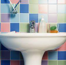 Como pintar azulejos de banheiro - 6 passos (com imagens)