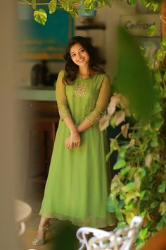 39 Trendy Embroidery Designs For Neck Salwar Kameez Kurta Designs Women, Kurti Neck Designs, Salwar Designs, Kurti Designs Party Wear, Kalamkari Dresses, Salwar Dress, Salwar Kameez, Saree Gown, Churidar Suits