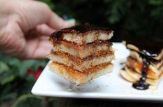 Zserbó palacsinta Tiramisu, Pancakes, Breakfast, Ethnic Recipes, Food, Morning Coffee, Essen, Pancake, Meals