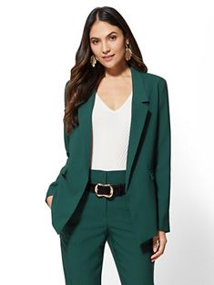 Soft Madie Blazer - Avenue - New York & Company Professional Look, Professional Outfits, Green Suit Women, Prom Blazers, Fall Outfits, Cute Outfits, 7 Avenue, Business Casual Outfits, Beautiful Outfits